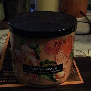 NWT Discontinued B&BW Georgia Peach 3 Wick Candle